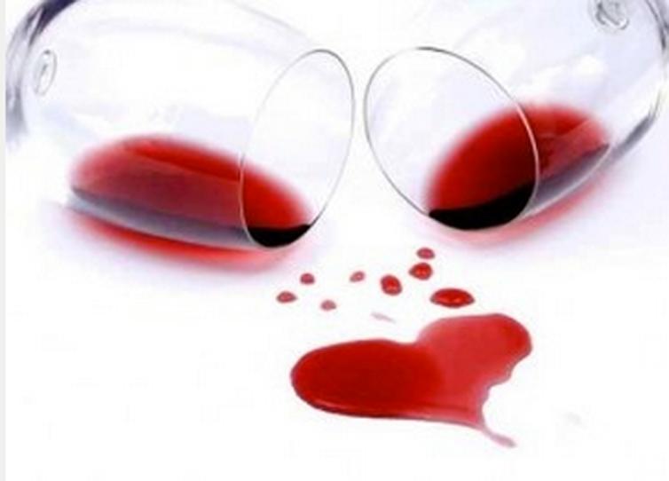 Rượu vang và sự lãng mạn của tình yêu dường như luôn đi cùng với nhau. Nhữngnghiên cứu khoa học đã chứng minh điều này: Theo như nghiên cứu online của Cty Cyberpulse khảo sát 500 phụ nữ thì có đến 59% trong số đó muốn người yêu của mình tặng họ rượu vang hơn […]