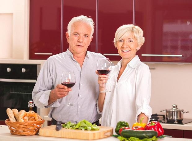 Kết quả từ cuộc điều tra sức khỏe tại Pháp và Mỹ cho thấy, tỷ lệ tử vong do bệnh mạch vành tại Pháp chỉ bằng 1/2 so với Mỹ, dù hai nước này có chế độ ăn gần như nhau. Một trong những nguyên nhân của hiện tượng trên chính là thói quen sử […]