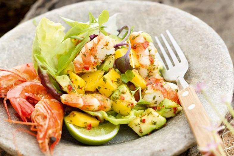 Salad và rượu vang từ lâu đã trở nên phổ biến trong các bữa ăn hàng ngày hay các buổi tiệc tùng, liên hoan. Tuy nhiên, khi bàn về chọn rượu vang với món salad thì không phải món salad nào cũng phù hợp với một loại rượu vang. Việc chọn rượu vang phù hợp […]