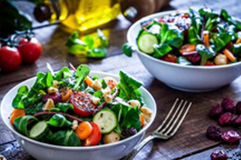 Nhu cầu về dinh dưỡng của con người phụ thuộc vào tuổi, giới tính, mức độ hoạt động thể lực, tình trạng sinh lý. Năng lượng từ ngũ cốc chiếm 55-67% tổng năng lượng khẩu phần hàng ngày, chất béo 20-25% và 13-20% từ đạm. Đạm Nên ăn đủ nhu cầu, ăn đa dạng, phối […]