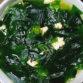 Rong biển (hay còn gọi là tảo bẹ) là loại thực phẩm giàu dinh dưỡng được nhiều người ưa thích. Chắc hẳn bạn nào từng xem phim Hàn Quốc cũng thấy loại rau này. Rất nhiều bạn cũng dùng rong biển để nấu ăn và làm đẹp. Thế nhưng tác dụng của rong biển thật […]