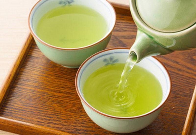 Uống trà xanh buổi sáng sẽ giúp tỉnh táo, làm việc hiệu quả, nâng cao sức đề kháng của cơ thể, tăng cường sinh lực và phòng chống bệnh. Nhiều chuyên gia cho rằng, mỗi người hàng ngày chỉ nên uống từ 2-3 tách trà sẽ thu lại được những lợi ích cho sức khỏe. […]